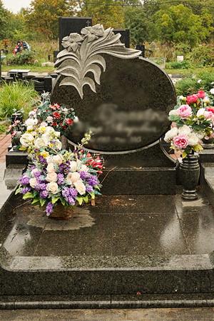 фото надгробий и памятников