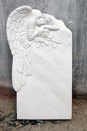 памятник с ангелом фото
