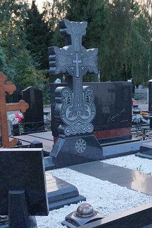 памятник резной фото